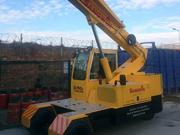 Sangwin Plant Hire Take Delivery of New Crane