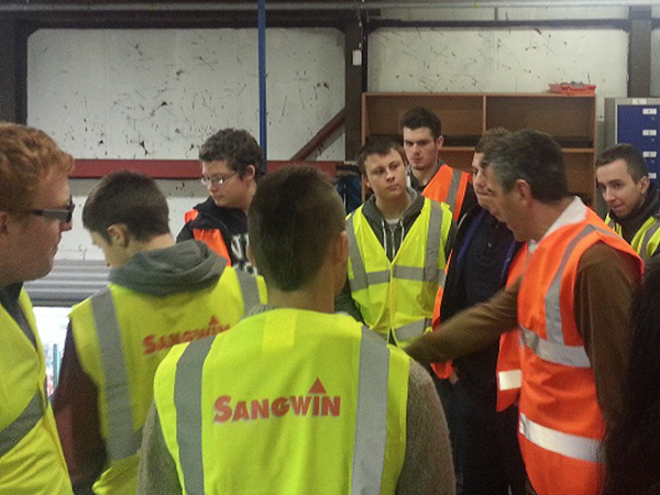 Sangwin Gives Tour & Presentation To Hull College Students